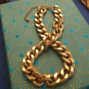 Chunky gold tone chain necklace